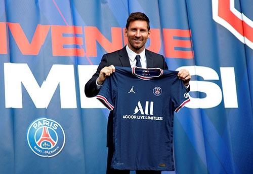 スペインのFCバルセロナからフランスのパリ・サンジェルマンに移籍したサッカー界のスーパースター、リオネル・メッシ選手。契約金の一部が暗号資産で支払われた(写真:ロイター/アフロ)