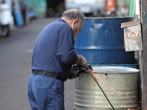 高齢者雇用は今後、社会的な問題に。写真はイメージ(写真:アフロ)