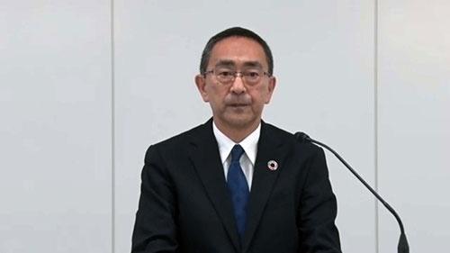 オンライン会見で謝罪するトヨタモビリティ東京の関島誠一社長