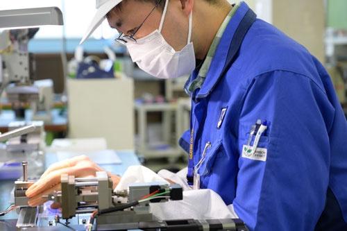 京都試作ネットに加盟する最上インクス(京都市)の工場。京都試作ネット代表理事の鈴木滋朗氏は、同社の社長でもある(写真2点:宮田 昌彦)
