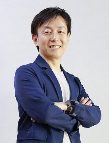 "<span class=""fontBold"">青野慶久氏(あおの・よしひさ)氏</span><br />1994年大阪大学工学部卒業、松下電工(現パナソニック)入社。97年、2人の同僚とサイボウズを設立し、副社長に。2005年4月から現職。自身も育児休暇を3回取得するなど、会社員の働き方改革を積極的に進めている。愛媛県出身。49歳。"