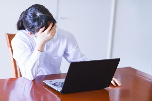 在宅勤務でリモハラに悩む会社員が増えている(写真:PIXTA)