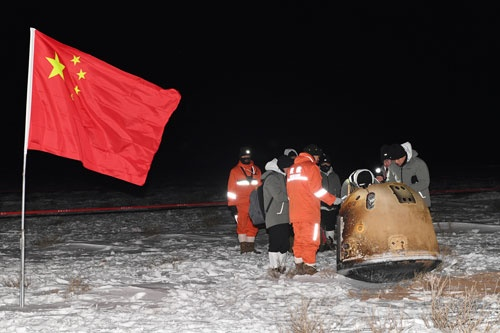 中国の無人月面探査機「嫦娥5号」は月の土壌の持ち帰りに成功した(写真:ロイター/アフロ)
