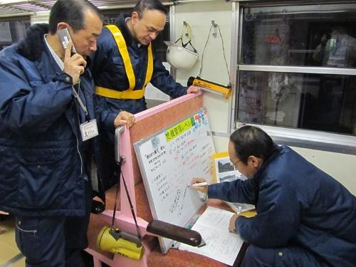 3月12日。列車内対策本部の様子(提供:三陸鉄道)
