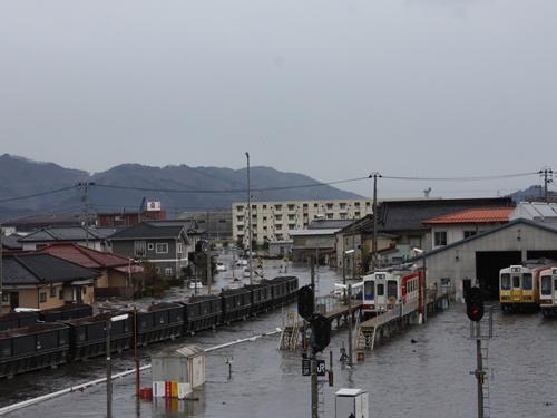 南リアス線車両基地に津波が押しよせた。3月11日(提供:三陸鉄道)