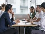 なまりの強い英語で会議が進まない。勉強で解決できますか?