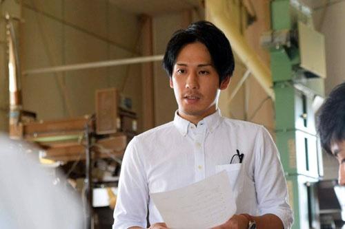 「的場園製茶工場」の4代目 的場龍太郎さん
