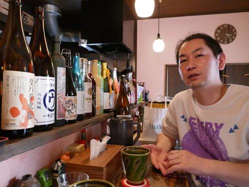 東京都杉並区でダイニングバー「いちよん」を営む村田裕昭さんも、店舗運営を巡って暴力的な警告を受けた