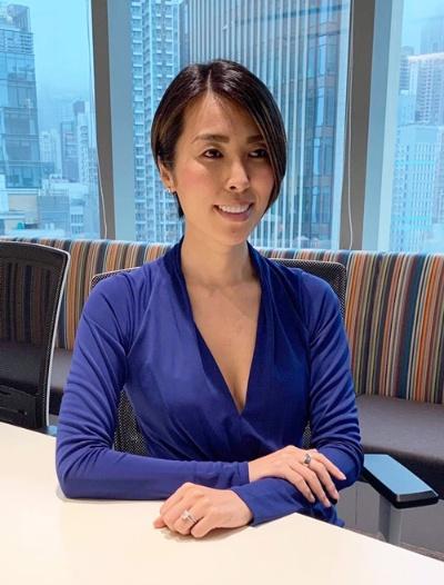 アシュリーあづみさん。香港在住でいくつもの仕事を手掛けている