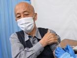 日本は「途上国」、ワクチン接種開始で出遅れ鮮明