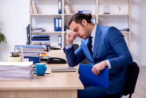 自他ともに認める仕事大好き人間だからこそ、メンタルを病むリスクがある。(写真:123RF)