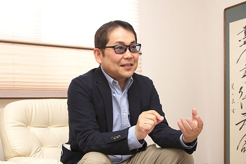 JICOの仲川社長は古くからのものづくりこそ利益の源泉と説く(写真:松田 弘、以下同)