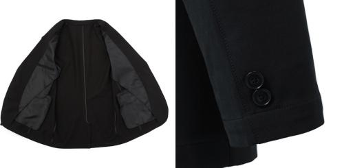 ジャケットの内側(写真左)。裏地は少なめで内ポケットは右胸のみ。左胸は表側にポケットがあるので、厚みのバランスを取るために内ポケットは右胸のみにしたという。袖口の飾りボタンは2つ(同右)(写真提供/AOKI)