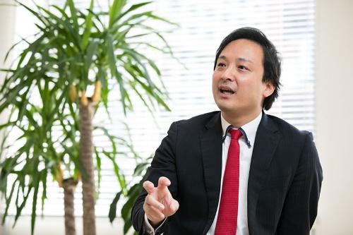丸 幸弘(まる・ゆきひろ)氏 リバネス代表取締役グループCEO。  1978年生まれ。神奈川県出身。2006年東京大学大学院農学生命科学研究科博士課程修了。02年同大学院在学中にリバネスを設立。 20年に人類の課題解決に資する研究開発型テクノロジーや企業に投資するリアルテックホールディングスを設立、代表を兼務している。