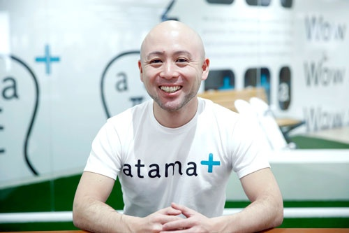 "<span class=""fontBold"">稲田大輔氏</span><br />atama plus代表取締役CEO/Founder<br /> 東京大学大学院情報理工学系研究科修了。三井物産で教育事業を担当し、海外EdTech事業責任者などを歴任。2017年4月にatama plusを創業。一人ひとりに合わせた自分専用カリキュラムを作成するAI先生「atama+」を全国の塾2400教室以上に提供。"