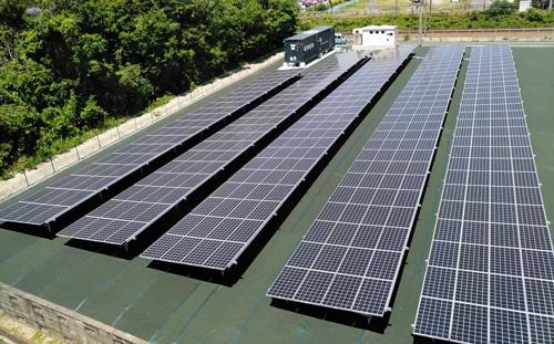 京セラは野洲市所有の土地で発電し、2km先の工場に送電する