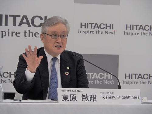 日立製作所の東原敏昭執行役会長兼執行役社長兼CEO(最高経営責任者)は20年5月、30年度までに炭素中立を達成すると宣言した