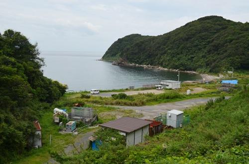 波打ち際の原発新設予定地は静けさだけが漂う(山口県上関町)