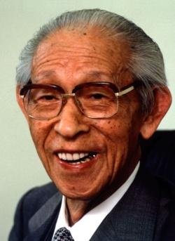 創業者の松下幸之助氏は、自ら広告宣伝も担当していた(写真:Fujifotos/アフロ)