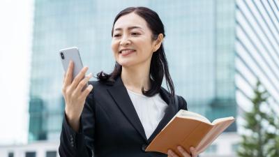 押し寄せる課題にパニックにならず、優先課題を見極め、集中して解決に当たることが重要(写真:chaponta/Shutterstock.com)