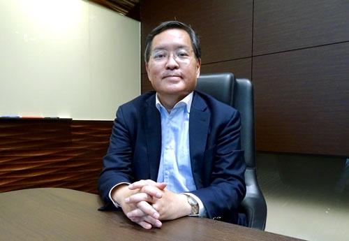 東京大学の西山圭太客員教授は、インド政府と民間のシステム構築協力が日本の参考になるという