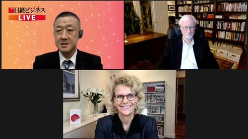 オンラインセミナーで対談する、ウリケ・シェーデ教授(下)とチャールズ・オライリー教授(右)