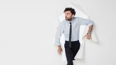 自分らしさを失わないために何が大事か、改めて考えみよう(写真:All kind of people/Shutterstock.com)