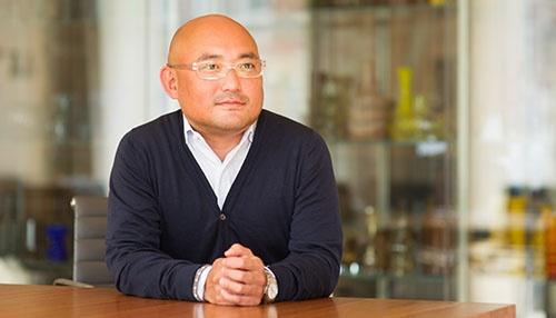 <b>田村裕之(たむら・ひろゆき)氏</b><br /> アトミコ マネージングパートナー。米ノースウェスタン大学卒業。米リーマン・ブラザーズ本社、香港の独立系投資ファンドを経て、日本で投資会社を起業。同時に、Skypeの日本戦略アドバイザーに就任。2008年、スカイプ共同創業者のニクラス・センストローム氏に誘われアトミコに参画。ファンドの資金調達や投資先の発掘および投資を担当する。フィンテックが得意分野。主に米国市場で投資先企業の事業戦略を支援している。