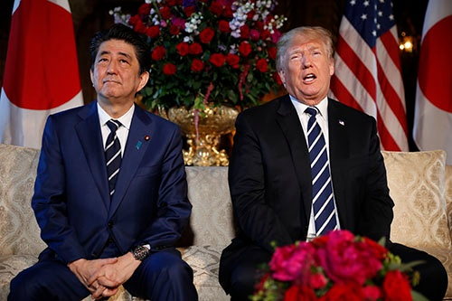 """安倍首相は北朝鮮問題で、トランプ大統領から""""満額回答""""を導き出した(写真:AP/アフロ)"""
