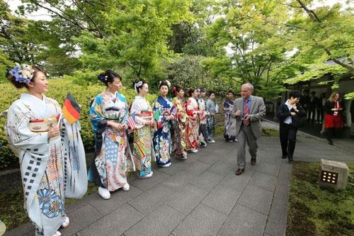 2016年には福岡県北九州市で開かれた「G7エネルギー相会合」でのおもてなしにも活用された