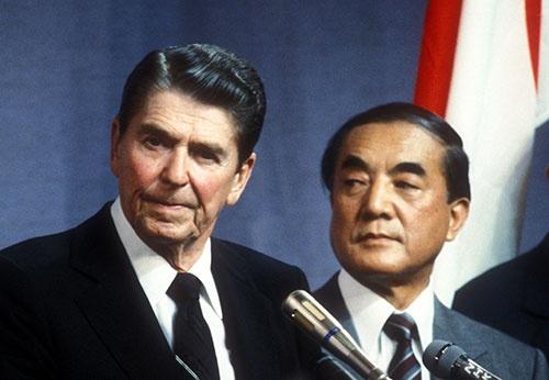トランプノミクスの政策はレーガン大統領の経済・財政政策と同じ(写真:Fujifotos/アフロ)