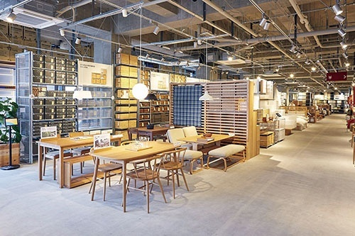 <b>函館に開業した700坪の大型店</b>