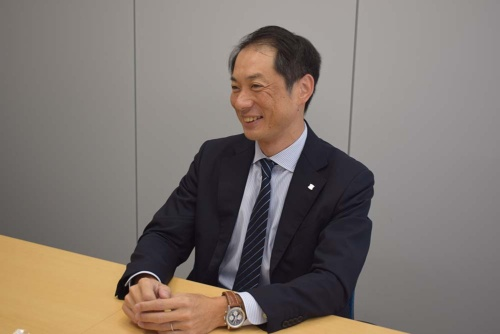 「デジタルを使って接客を高度化していく」と語るオープン・イノベーションセンター長の牧野国嗣氏