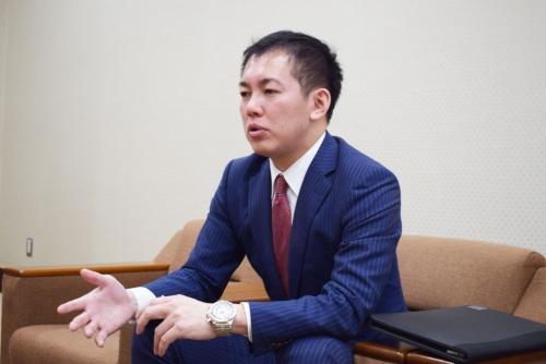 秘書課の後藤優弥課長補佐。2009年入省