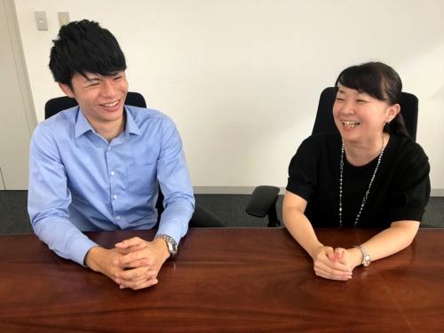 スマートライフ推進部の佐藤瑠生氏(左)と南部美貴氏
