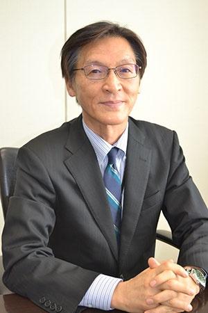 友田信男(ともだ・のぶお) 氏<br />東京商工リサーチ・常務取締役情報本部長。1980年、銀行勤務を経て東京商工リサーチ入社、2011年に取締役情報本部長。2015年から現職。財務省研修所や全国信用金庫研修所で講師を務める。リーマンショックの影響について参議院の参考人として呼ばれたほか、自民党政務調査会などで中小企業の実態を説明する機会も多い。中小企業金融円滑化法の制定にも関与した。