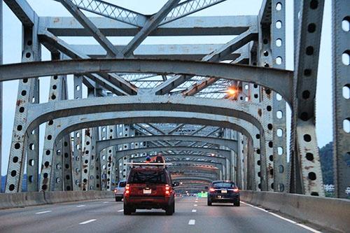 オハイオとケンタッキーをつなぐブレント・スペンス・ブリッジ(写真:ネクスコ・ウエスト USA提供)