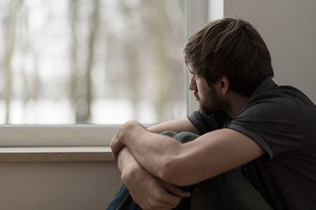 ストーカーに多いタイプは、孤独な人や強いストレスを受けている人。(写真:bialasiewicz/123RF)写真はイメージです
