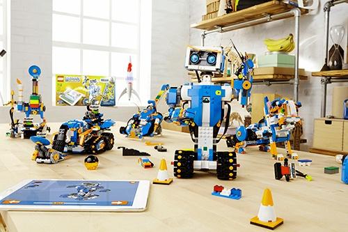 レゴが2017年8月に欧米で発売する「レゴブースト(Lego Boost)」。日本では2018年の発売を予定している。