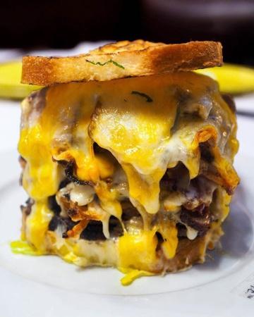 ザッカーマン氏が開発したMichael Jordan's Steak HouseのStrip Cheese(写真:Food and City)
