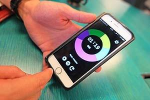 ライフイズテックで学んだ中学生(開発当時)が作成したiPhoneアプリ「見えるプレゼンタイマー」。10万ダウンロードを超えているという