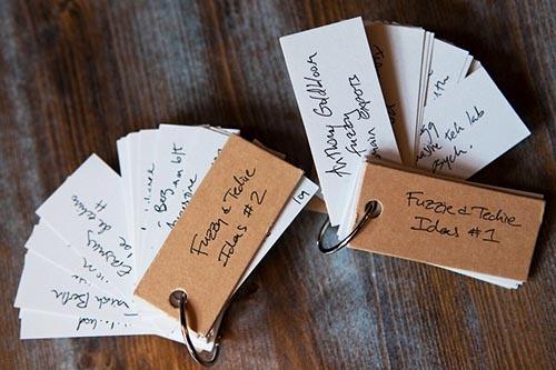 本書のアイデアは単語カードに書き記した。