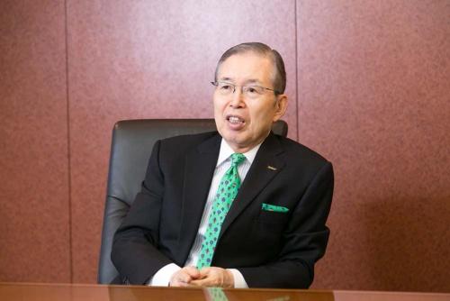 日本電産会長CEO(最高経営責任者)。1944年京都府生まれ。職業訓練大学校を卒業。73年に日本電産を創業し、社長に就任した。ハードディスク向けから車載、家電、商業、産業用モーターまで事業を広げ、世界有数のモーターメーカーに育て上げた。2014年10月から会長兼社長CEO。2018年3月、京都学園理事長、同年6月、会長CEOに。(写真=太田未来子、以下同)