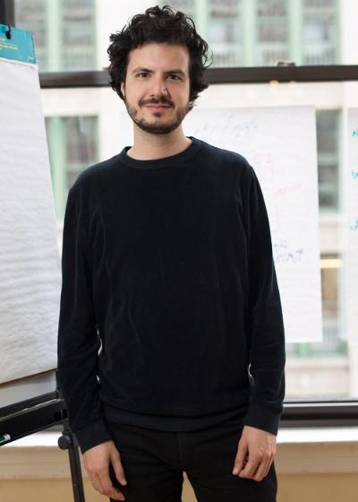 共同創業者のエルンスト・ヤン・ファウス氏。NRCのウェブ版編集長やテックメディア「The Next Web」の編集長を務めた後、ワインベルグ氏とThe Correspondentを立ち上げた。(写真:Maki Suzuki 以下同)