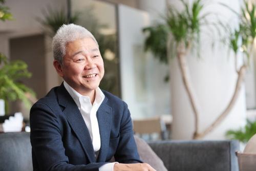 <b>保科 卓</b>(ほしな・たく)さん<br />1965年京都生まれ。慶應義塾大学卒業後、88年にアルフレックスジャパンに入社。 以来、輸入部門、管理部門、経営企画部門などを経て、08年にイギリスにてMBAを取得。13年に代表取締役社長に就任。創業時の理念を受け継ぎ、現代の経営戦略で同社の成長を目指している。(写真:鈴木 愛子、以下同)