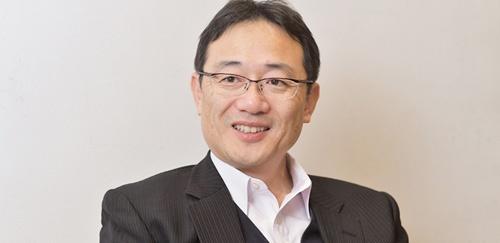 <b>鮫島正洋(さめじま・まさひろ)氏</b><br/>1985年東京工業大学金属工学科卒業後、藤倉電線(現・フジクラ)に入社し、電線材料の開発に従事。91年弁理士試験に合格。92年日本アイ・ビー・エム入社。知的財産マネジメントに従事しながら、司法試験の勉強をし、96年司法試験に合格。97年退社して司法研修所に入所。99年第二東京弁護士会登録、弁護士事務所で働き始める。2004年内田・鮫島法律事務所を開設。近著に、『技術法務のススメ 事業戦略から考える知財・契約プラクティス』(日本加除出版)『知財戦略のススメ コモディティ化する時代に競争優位を築く』(共著、日経BP社)。(写真・菊池一郎)