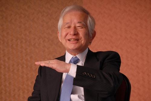 武蔵野の小山社長。ダスキンの加盟店業務を手掛ける傍ら、600社以上に経営指導するコンサルタントの顔も持つ(写真:栗原克己)