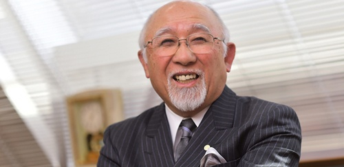 <b>是枝伸彦(これえだ・のぶひこ)氏</b><br /> 1937年鹿児島県生まれ。60年中央大学法学部卒業。東京オフィスマシン勤務を経て、65年ミロク経理に入社。77年ミロク情報サービスを設立し、取締役に就任。80年に社長、92年から会長を兼務し、2005年会長。テレコムサービス協会会長なども務める。(写真・菊池一郎、以下同)