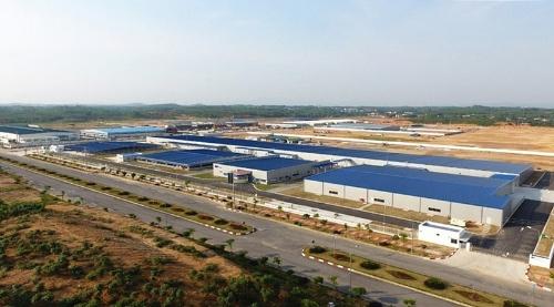 マツオカコーポレーションは日本での生産をやめ、全て海外生産にシフトした。写真はベトナムのフート工場。約1400人が働く