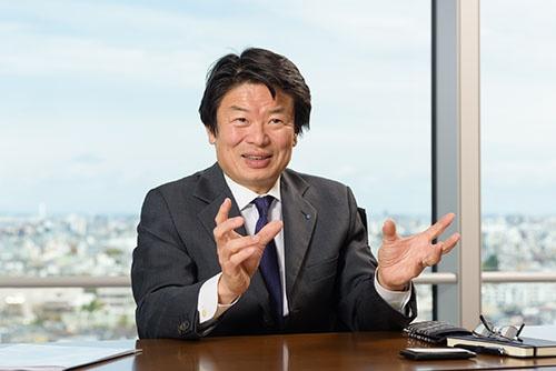 <b>おおた・けんじ</b> チューリッヒ・ライフ・インシュアランス・カンパニー・リミテッド(日本支店)日本における代表者兼最高経営責任者。1963年東京都生まれ。米スタンフォード大学大学院経営学修士(MBA)課程修了。85年ソニーに入社後、92年ジェミニ・コンサルティング・ジャパンに転職、最終職歴はシニア・パートナー(共同経営者)。2002年AIGに転職、常務執行役員、06年からAIGイースト・アジア・ホールディングス・マネジメント・インク常務執行役員やリージョナル・バイス・プレジデントを務める。09年からアメリカン・ライフ・インシュアランス・カンパニー日本支店(現メットライフ生命保険)専務執行役員。12年から現職。(写真:山本 祐之)